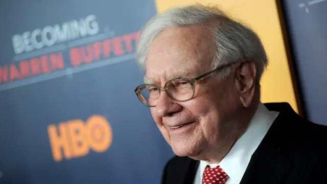 Warren Buffett's Wealth reach 100 Billion
